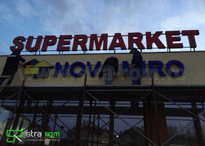 litere luminoase market_
